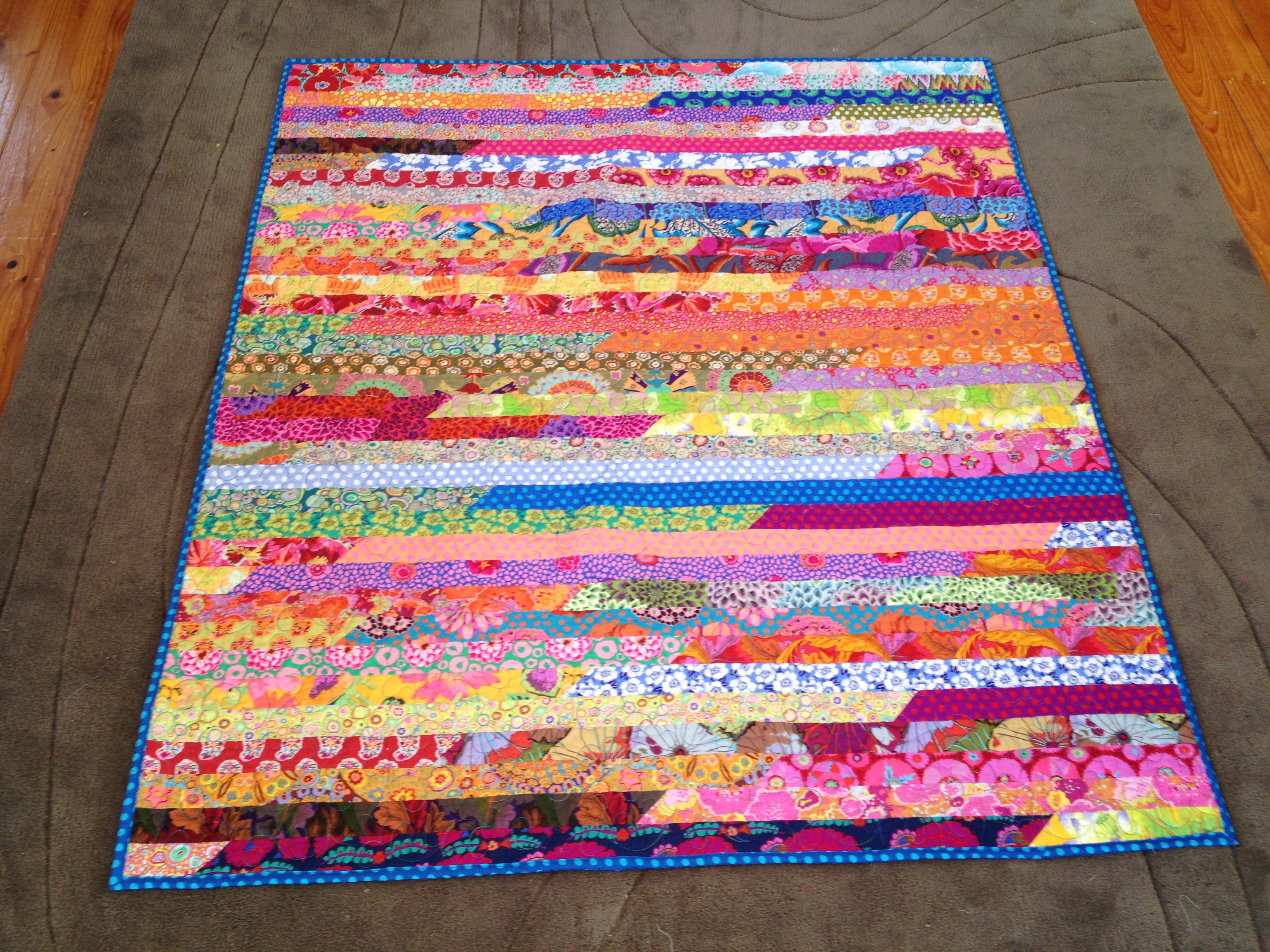 1000+ images about jelly roll 1600 quilts on Pinterest The jellies, Fabrics and Jelly roll ...